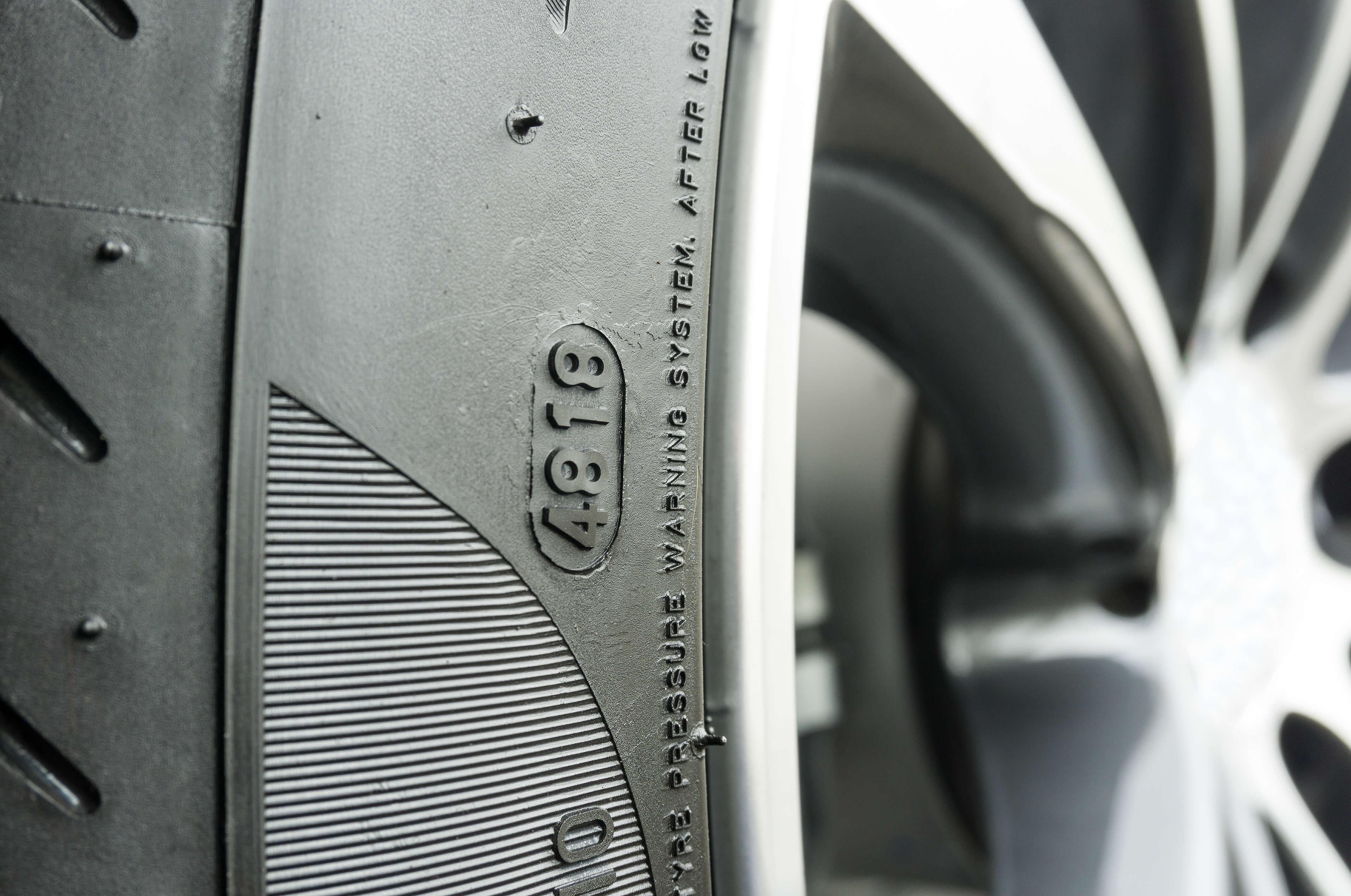 DOT pneu, stáří pneu, čerstvá dot