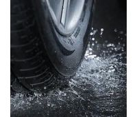 car-tire-splashing-water-260nw-100489660 (2)