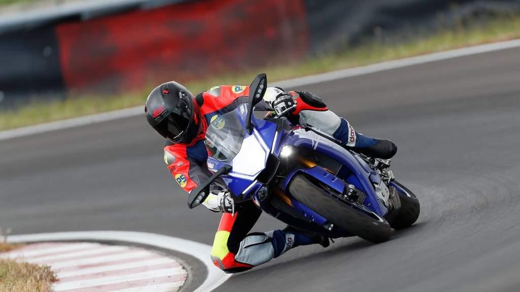 Test sportovních moto pneu 120-70 ZR17, 190-55 ZR17 – MOTORRAD 2019