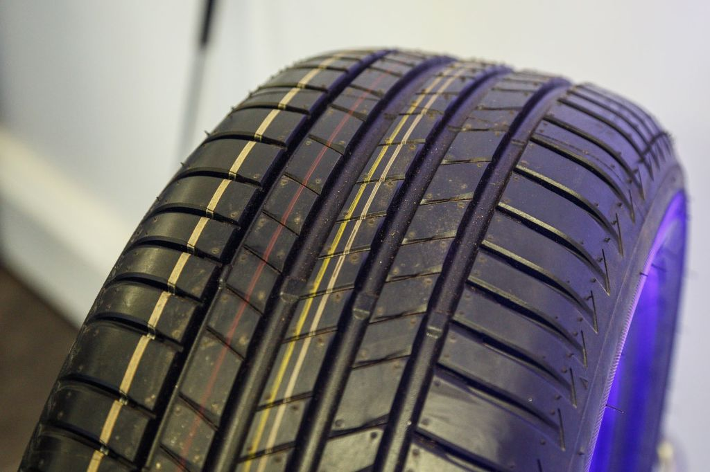 Bridgestone-Tuaaaranza-T005-0020