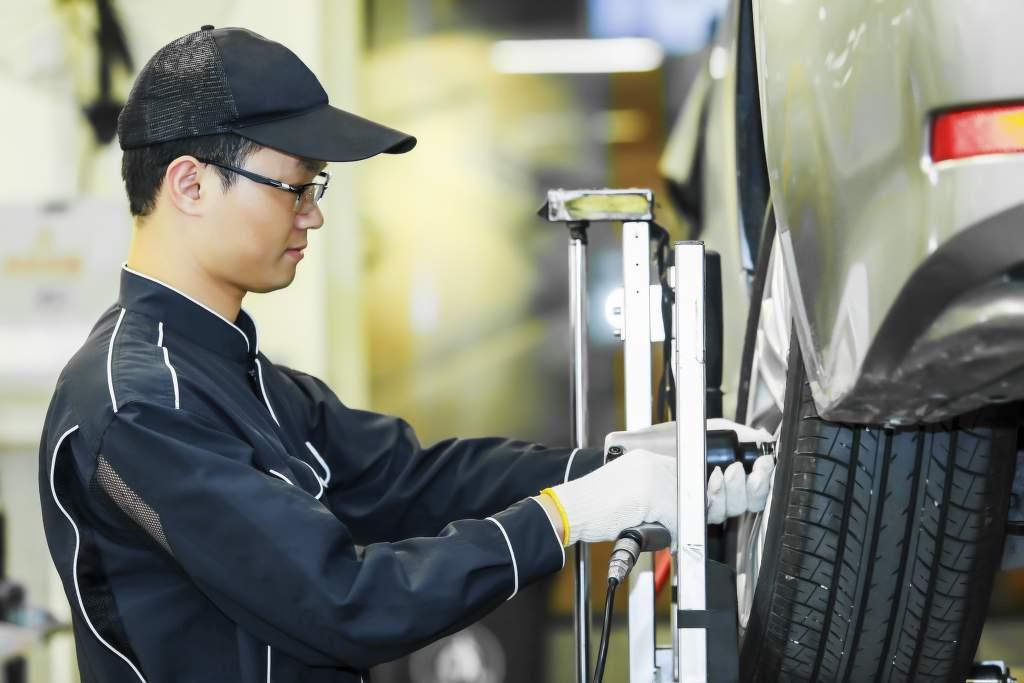 Výroba pneumatik v továrně