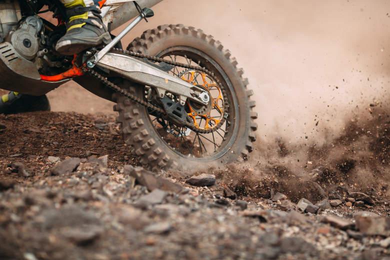 Motocyklové pneumatiky v terénu