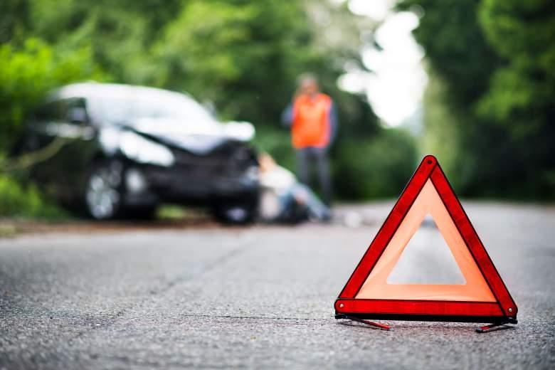 Využití výstražného trojúhelníku na silnici