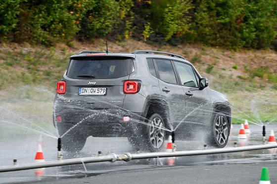 Test letních pneumatik na SUV 215/60 R17 - Pneumatiky.cz