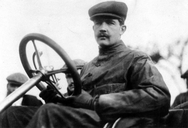 Felice_nazzaro_1907_pneu_Pirelli