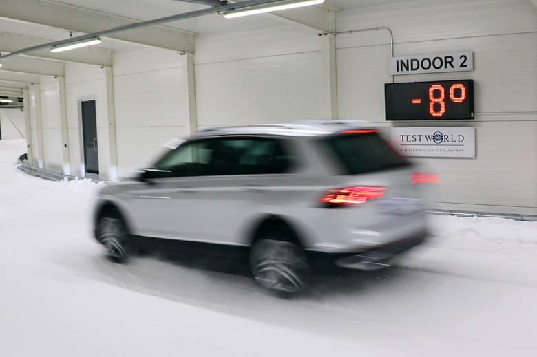 Test SUV pneu na sněhu